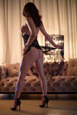 Agnela live escorts in Glasgow
