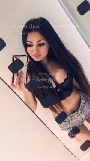 Ouneyssa escort girls in Adrian