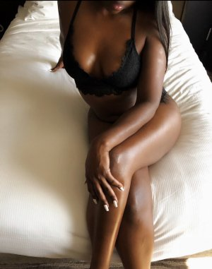 Perline live escort in Long Beach